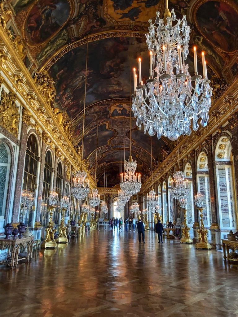 Sala de los Espejos en el Palacio de Versailles.