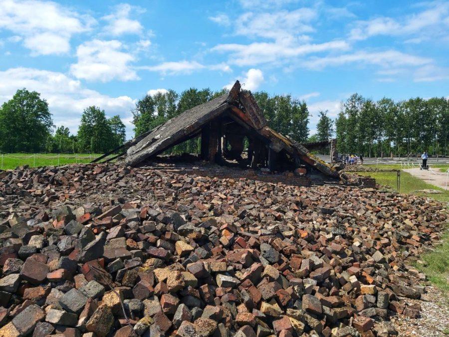 Restos de un crematorio destruido en Birkenau.