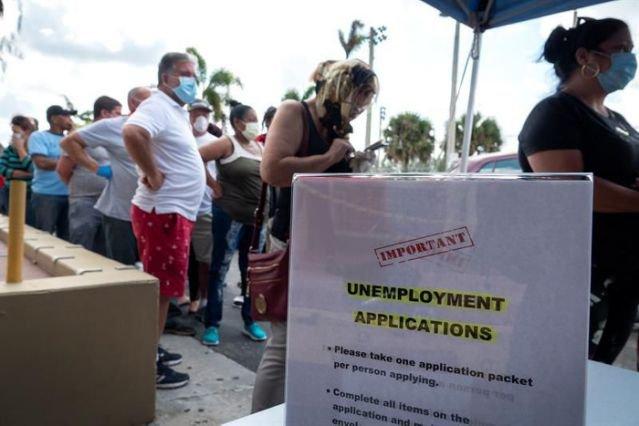 Aumentan a 965 mil las solicitudes semanales de desempleo