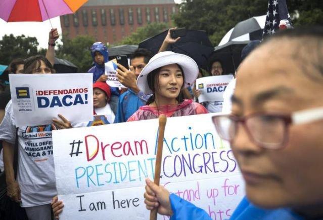 Soñadores lanzan app para que los inmigrantes estén conectados