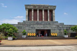 Mausoleo de Ho Chi Minh, un imprescindible en tu visita a Hanoi
