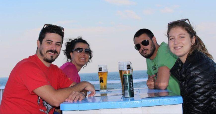 comiendo en Mossel Bay en nuestro viaje por libre a Sudáfrica