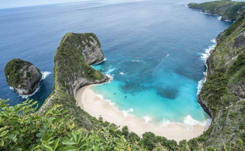 Nusa-Penida Kelingking Beach
