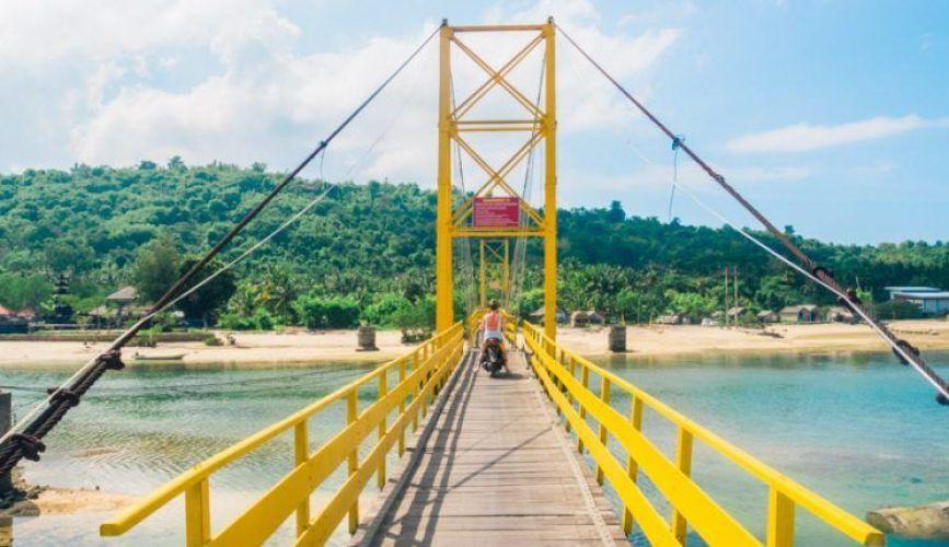 Yellow Brodge Nusa Lembongan