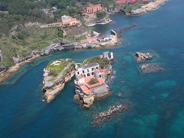 La Gaiola-isola maledetta per il popolo napoletano.jpeg-1