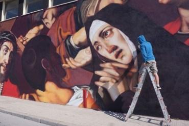 Andrea Mattoni, giovane artista varesino capace di portare l'arte caravaggesca sui muri cittadini-4
