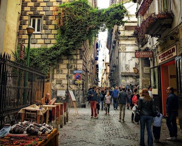Via San Biagio dei Librai, Napoli, tra cultura, storia e leggenda-2