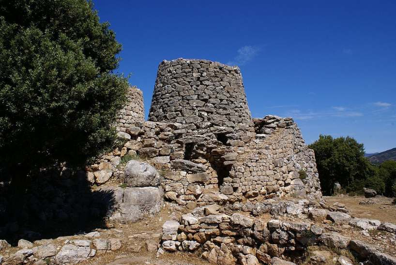 megaliths in sardinia- megaliths in italy