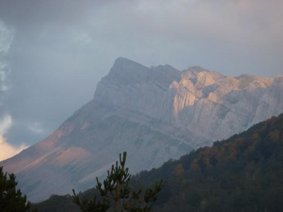 Laderas del pico Ruzquía, en el valle de Ansó (Huesca), desde el collado de Arguibiela