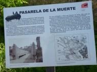 """Cartel de GEFREMA señalando la llamada """"Pasarela de la Muerte"""", infraestructura de los sublevados para intentar acceder a Madrid a lo largo de la Guerra"""