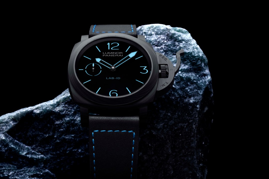 PANERAI_PAM00700_Visual_1 copy