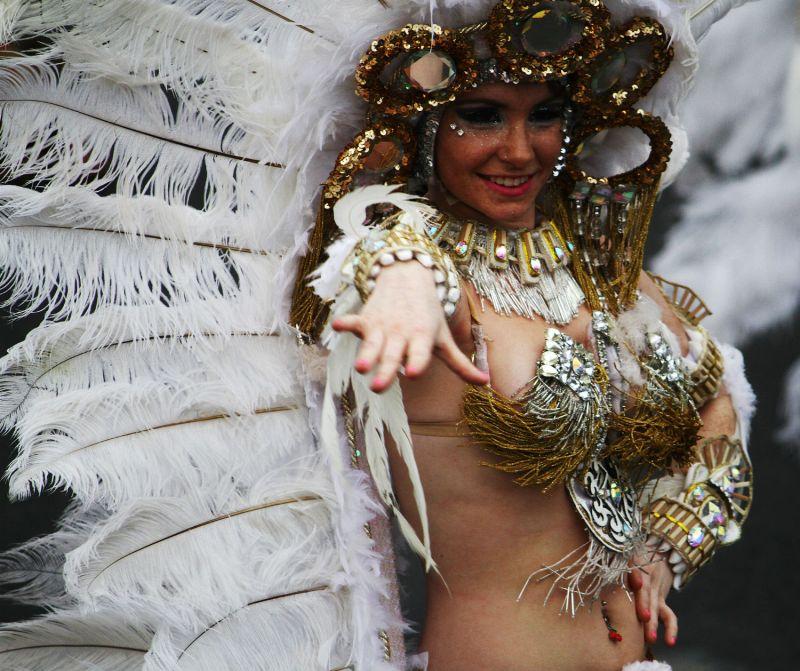 tenerife carnaval girl via flckr