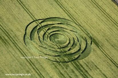 Wroughton, Wiltshire. 22nd June 2015. Barley. c. 100 feet (30m) diameter. A rose pattern.