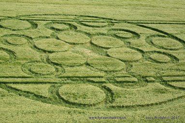 Woolstone Hill, Nr Ashbury, Oxfordshire. 4th June. 2017. Barley. c.90 feet (27.5m) diameter.