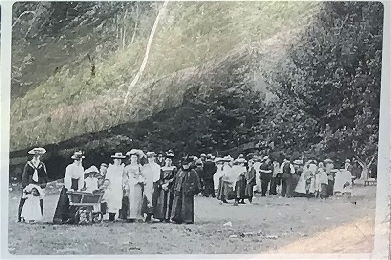 A photo showing picnicking in the early 1900's  at the reserve