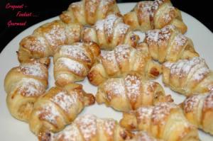 Croissants fourrés à la pomme - novembre 2009 044 copie