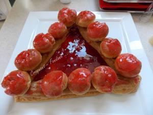 Saint Honoré aux fraises DSCN3547