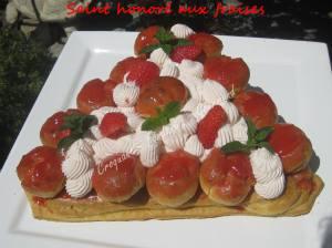 Saint Honoré aux fraises IMG_5485
