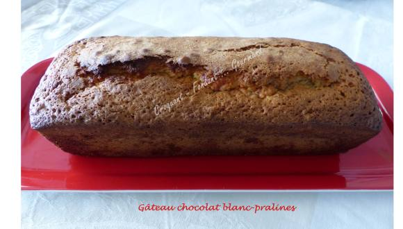 Gâteau chocolat blanc-pralines P1020307