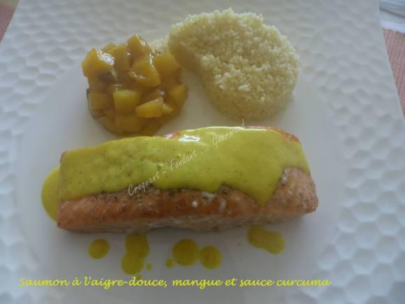 Saumon à l'aigre-douce, mangue et sauce curcuma P1020116