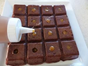 Gâteau 16 trous, chocolat-caramel P1020364