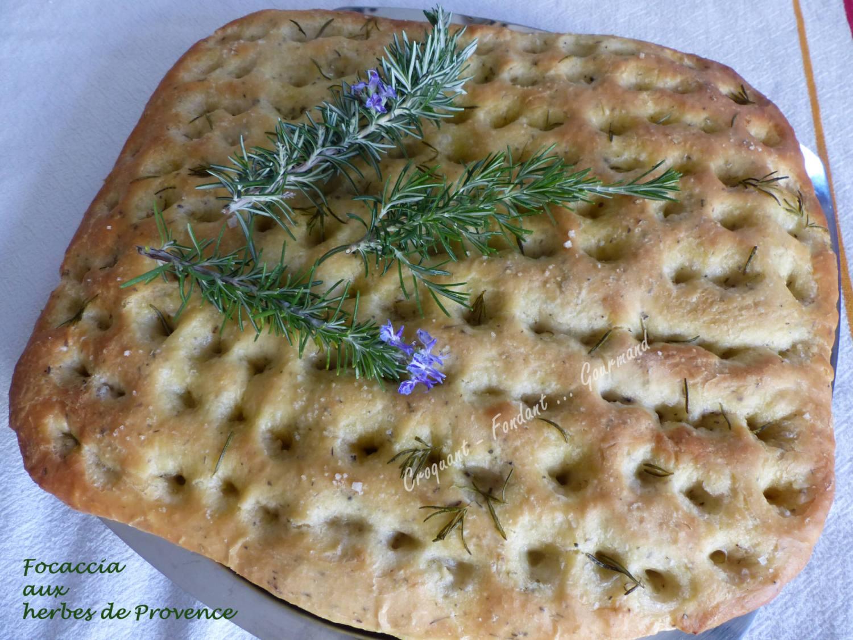 Focaccia aux herbes de Provence P1030467