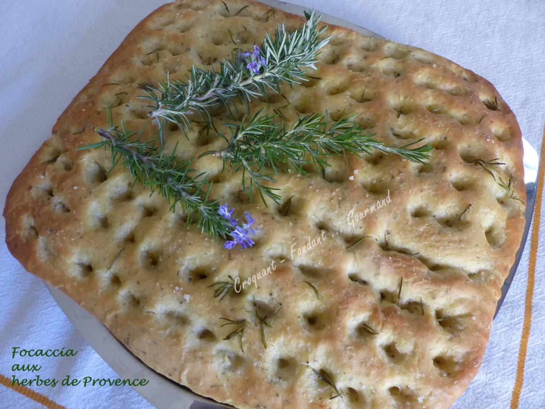 Focaccia aux herbes de Provence P1030468