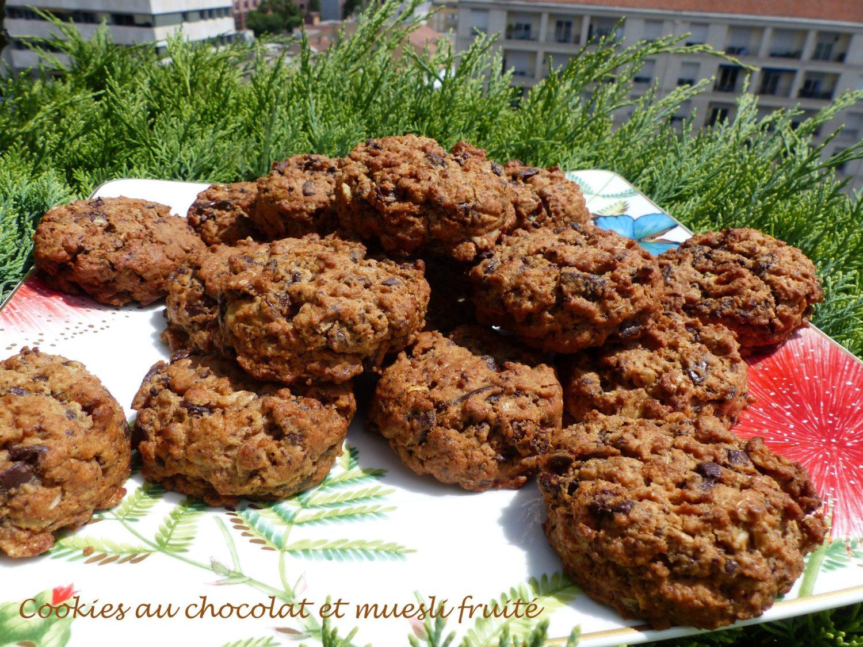 Cookies au chocolat et muesli fruité P1110420 R