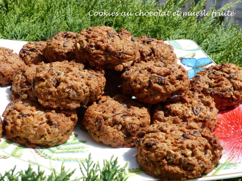 Cookies au chocolat et muesli fruité P1110424 R