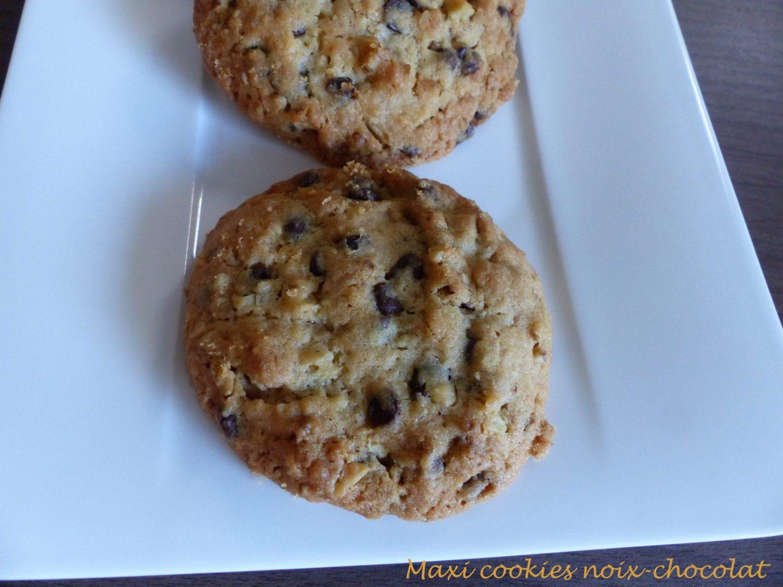 https://croquantfondantgourmand.com/wp-content/uploads/2018/10/maxi-cookies-noix-chocolat-p1060278-r
