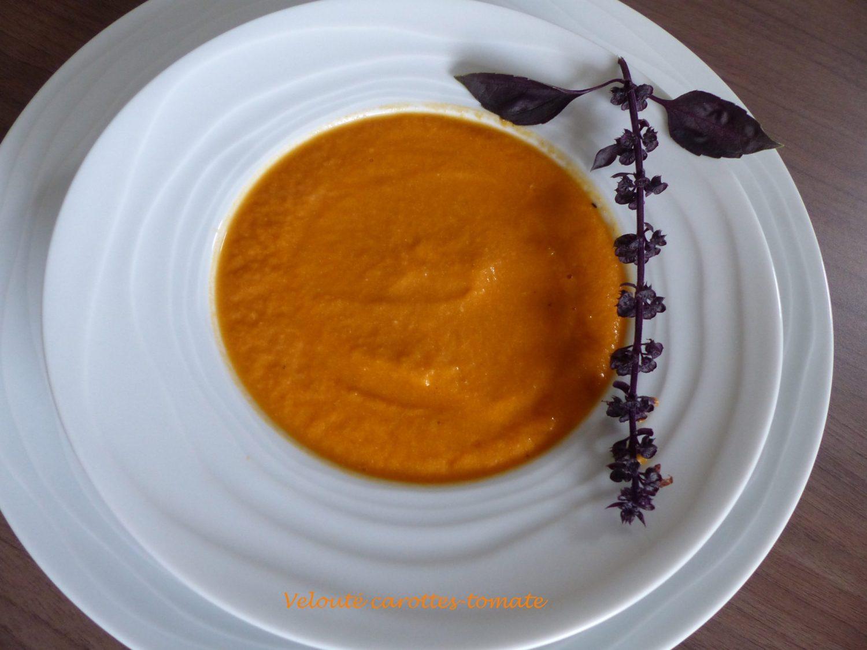 Velouté carottes-tomate P1060550 R
