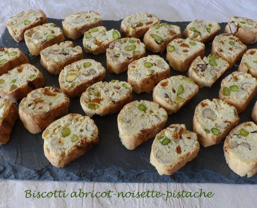Biscotti abricot-noisette-pistache P1140844 R
