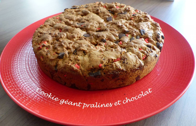 Cookie géant pralines et chocolat P1160854 R