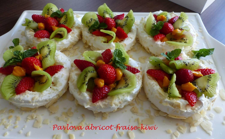 Pavlova abricot-fraise-kiwi P1170028 R