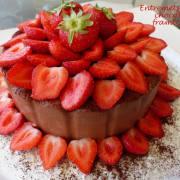 Entremets fraise-chocolat-framboise P1180669 R