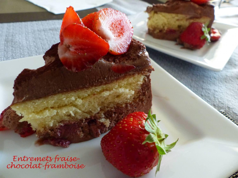 Entremets fraise-chocolat-framboise P1180672 R