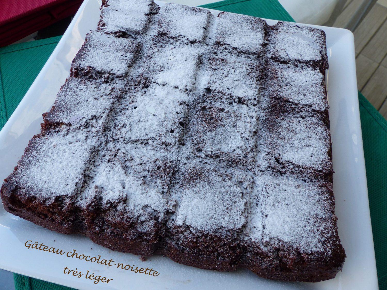 Gâteau chocolat-noisette très léger P1110967 R