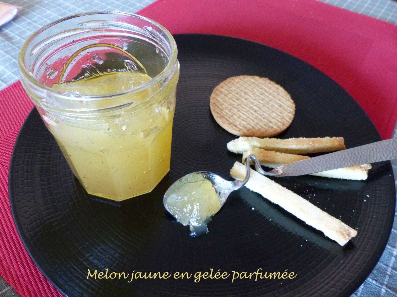 Melon jaune en gelée parfumée P1120775 R