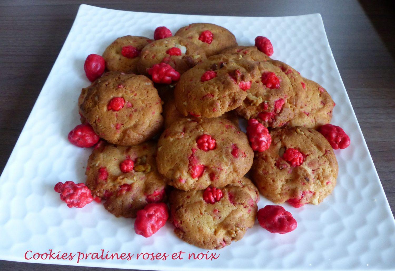 Cookies pralines roses et noix P1130213 R
