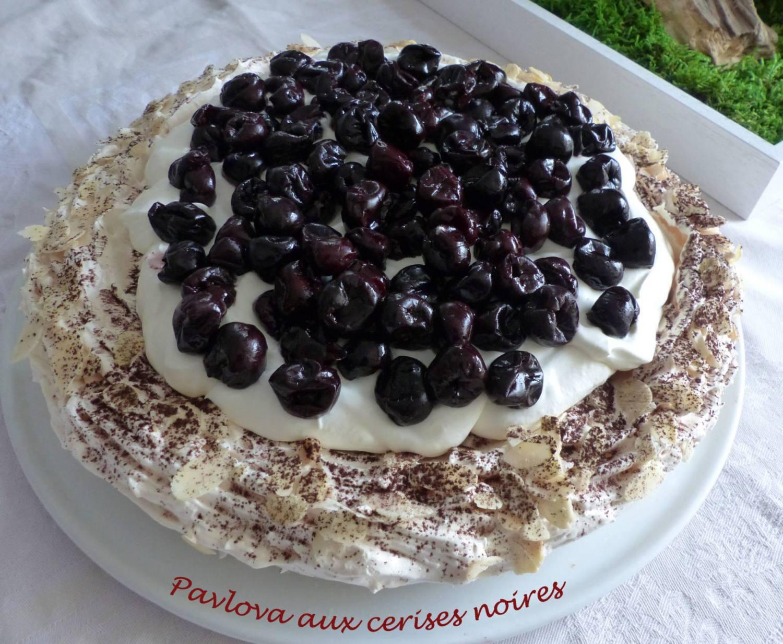 Pavlova aux cerises noires P1150441 R
