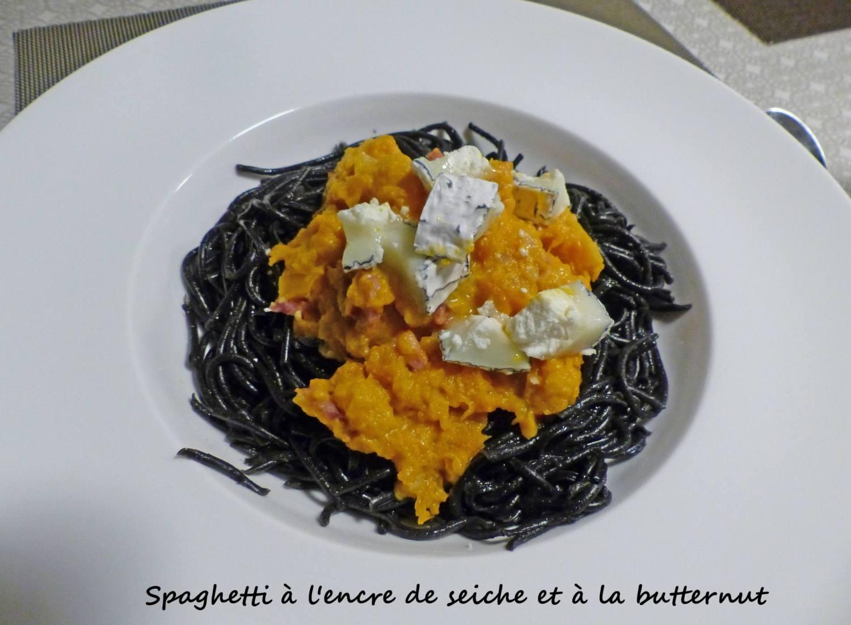 Spaghetti à l'encre de seiche et à la butternut P1220377 R