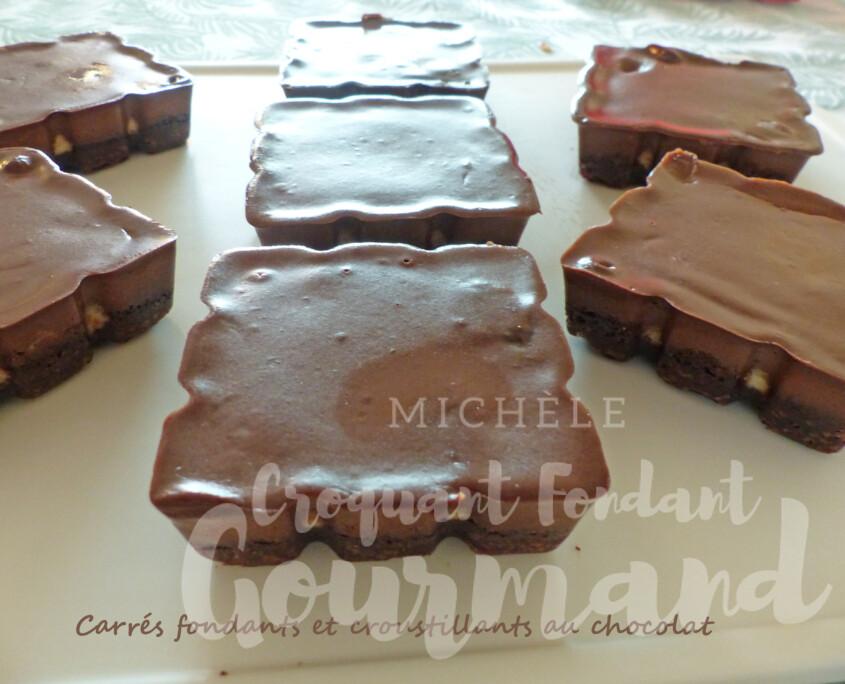 Carrés fondants et croustillants au chocolat P1250866 R