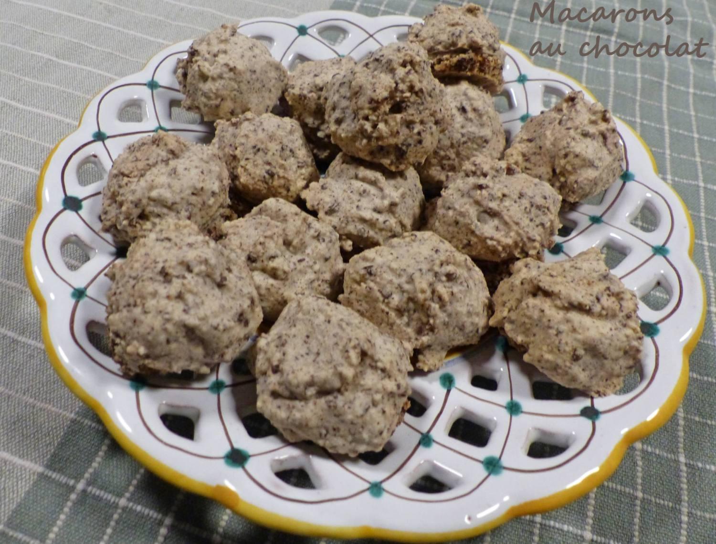 Macarons au chocolat P1210437 R