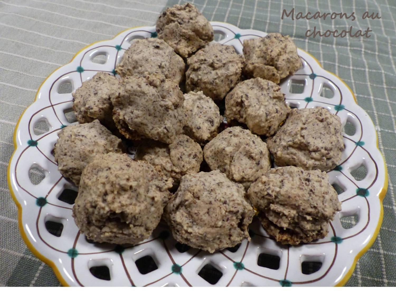 Macarons au chocolat P1210438 R