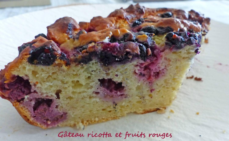 Gâteau ricotta et fruits rouges P1250686 R