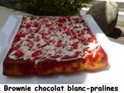 Brownie chocolat blanc-pralines Index P1030627