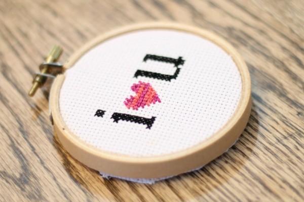 cross-stitch-I-heart-you