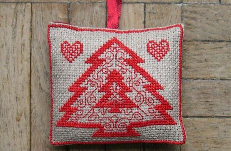 More Christmas Cross-Stitch Inspiration