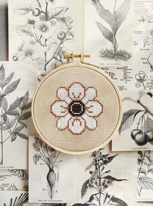 white flower cross stitch pattern