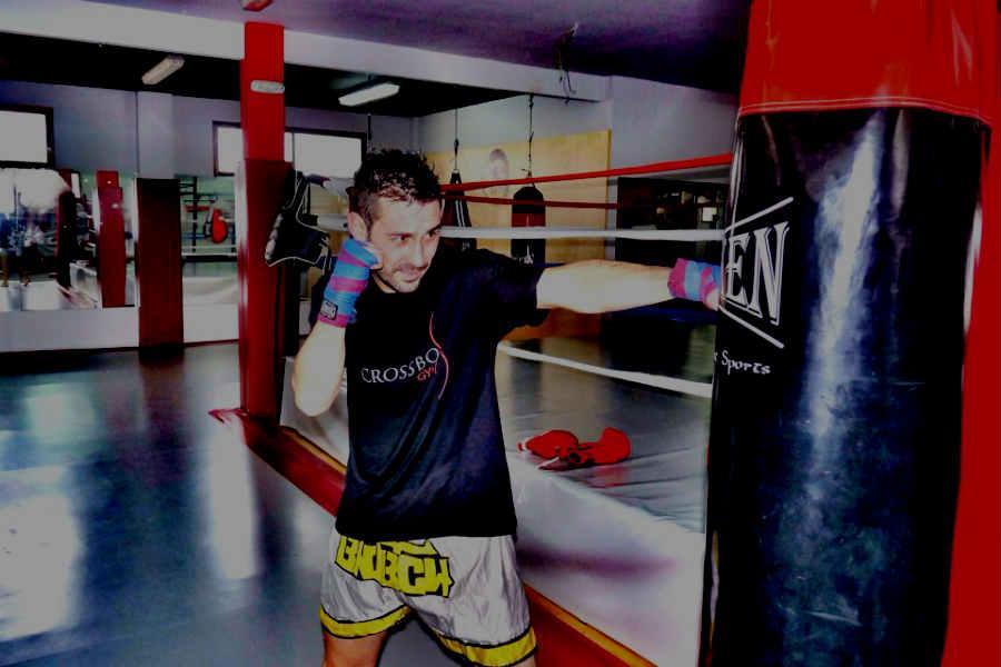 Ivan Entrenando KickBoxing